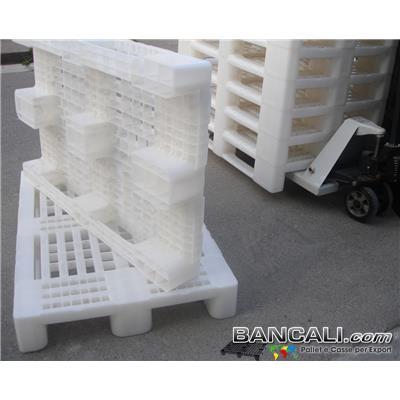 Hygien80s2ATX - EuroPallet Igienico 80x120 BIANCO   ATOSSICO   GRIGLIATO PLASTICA con 2 Traverse Kg. 14