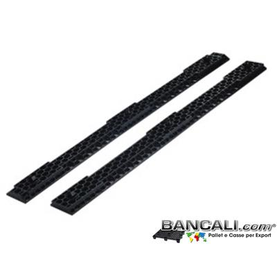 Slitte120A - Slitte o Traverse ad incastro in Plastica lunghe 120 cm;  Forate a  forma di esagoni alveolare, con 3 puntali per agganciarli a ciascuno dei 3 piedi del bancale;  Kg. 1